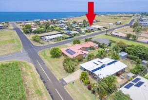60 Shelley St, Burnett Heads, Qld 4670