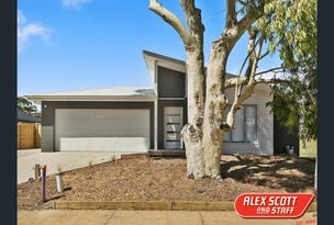 359 Settlement Road, Cowes, Vic 3922