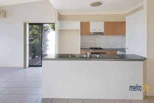 80 Greenway Circuit, Mount Ommaney, Qld 4074