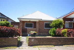 18 Maitland Street, Stockton, NSW 2295