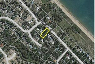227 Sylvan Drive, Moore Park Beach, Qld 4670