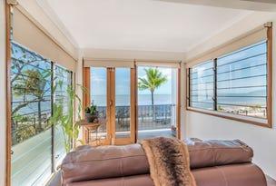 135 O'Shea Esplanade, Machans Beach, Qld 4878