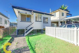 34 King Street, Woody Point, Qld 4019