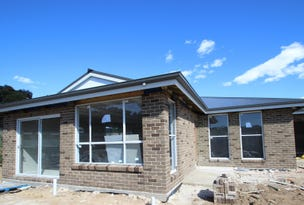 10 and 10a Aloe Vera Place, Orange, NSW 2800