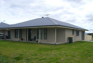 2/1 Alexander Close, Aberdeen, NSW 2336