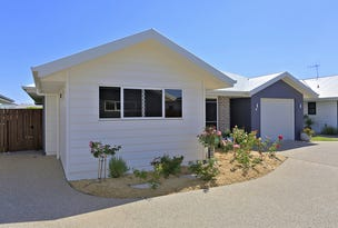 5/6 Back Hill Drive, Coral Cove, Qld 4670
