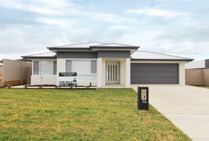 96 Messenger Avenue, Boorooma, NSW 2650