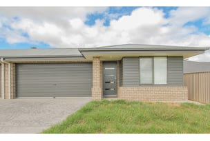 18A Cooper Crescent, Gormans Hill, NSW 2795