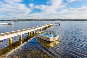 219 Coal Point Road, Coal Point, NSW 2283