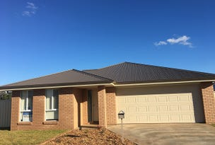 8 Spence Road, Griffith, NSW 2680