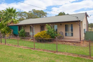 70 Railway Parade, Yeoval, NSW 2868