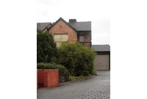3/2 Chertsey Court, Wynn Vale, SA 5127