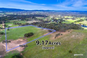 143 White Gum Road, Barkers Creek, Vic 3451