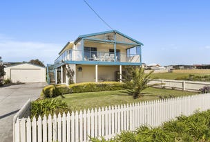 121 PHILLIP ISLAND ROAD, Surf Beach, Vic 3922