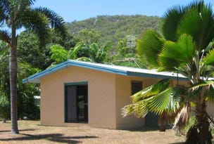 17 The Grove, Nelly Bay, Qld 4819