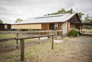 105 Foulkes Crescent, Clunes, Vic 3370
