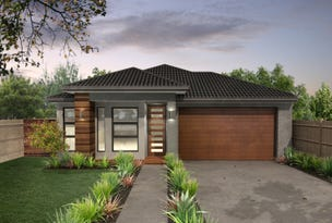 LOT 319 HARTLEIGH ESTATE, Clyde North, Vic 3978