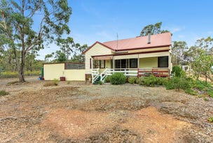 22 Crossley Road, Heathcote, Vic 3523