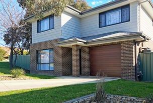 1/2 Honeysuckle Street, Thurgoona, NSW 2640