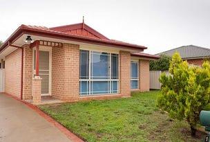 12 THOMAS ROYAL GARDENS, Queanbeyan, NSW 2620
