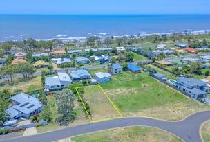 54 Acacia Street, Moore Park Beach, Qld 4670