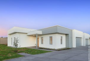 1/2 Rose Place, Boorooma, NSW 2650
