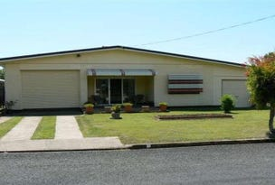 8 Holiday Parade, Scarness, Qld 4655