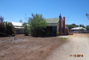 98 Crispe Street, Deniliquin, NSW 2710