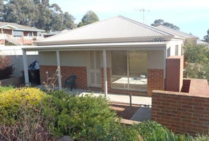 1/6 Edwards Road, Strathdale, Vic 3550