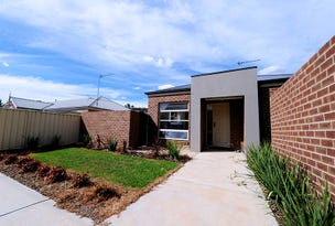 1/210 Retreat  Road, Spring Gully, Vic 3550
