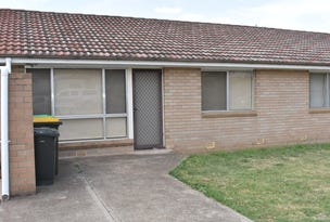 2/9 Memagong Street, Young, NSW 2594