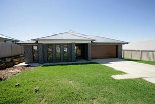 10 Pooginook Place, Bourkelands, NSW 2650