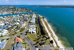 2 Solander Esplanade, Banksia Beach, Qld 4507