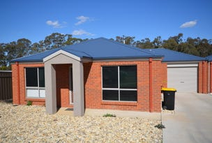 1/4 Rosemary Court, Golden Square, Vic 3555