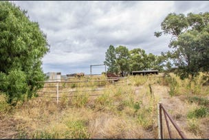 * Johns Road, Barellan, NSW 2665