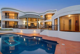15 St Martin Place, Clear Island Waters, Qld 4226