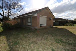80 Raye Street, Tolland, NSW 2650