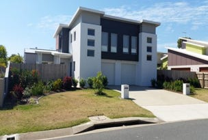 Unit 1 & 2 / 7 Seafarer Court, Blacks Beach, Qld 4740
