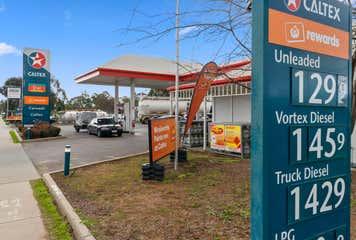 Caltex, 73 Meninya Street (Cobb Highway) Moama, NSW 2731