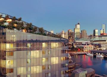 NewQuay Promenade Docklands