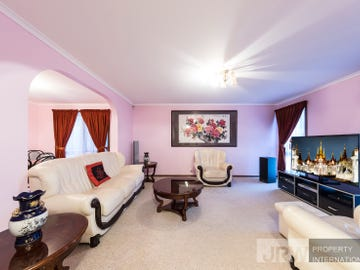 2 Pridham Court, Endeavour Hills, Vic 3802