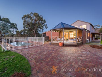 70 Buttermans Track, St Andrews, Vic 3761