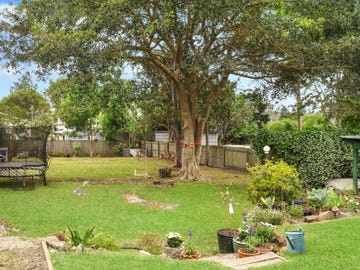 43 Old Gosford Road, Wamberal, NSW 2260