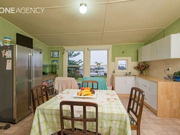 16 Old Bass Highway, Wynyard, Tas 7325