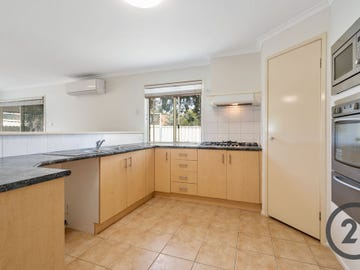 1  Bergalia Close, Prestons, NSW 2170