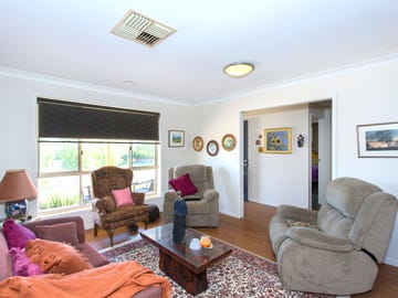 9 Eucalypt Close, Cowra, NSW 2794