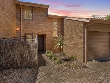 33 Strong Place, Belconnen, ACT 2617