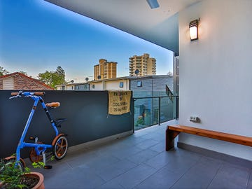 15/2 Laurence Street, St Lucia, Qld 4067