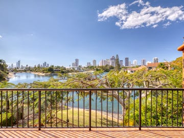 4/47 Hooker Boulevard, Broadbeach Waters, Qld 4218