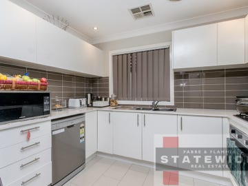 2/6 Canberra Street, Oxley Park, NSW 2760
